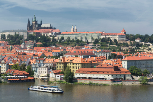 St Vitus's Cathedral「The Castle and St Vitus Cathedral  over the river」:スマホ壁紙(14)