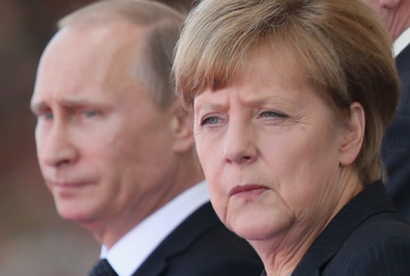 Geographical Locations「(FILE): Putin And Merkel Attend D-Day Commemoration」:写真・画像(13)[壁紙.com]