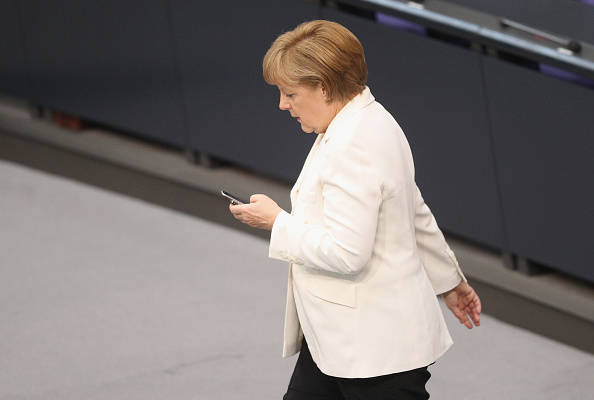 Wireless Technology「(FILE) NSA Possibly Eavesdropped On Angela Merkel's Mobile Phone」:写真・画像(1)[壁紙.com]