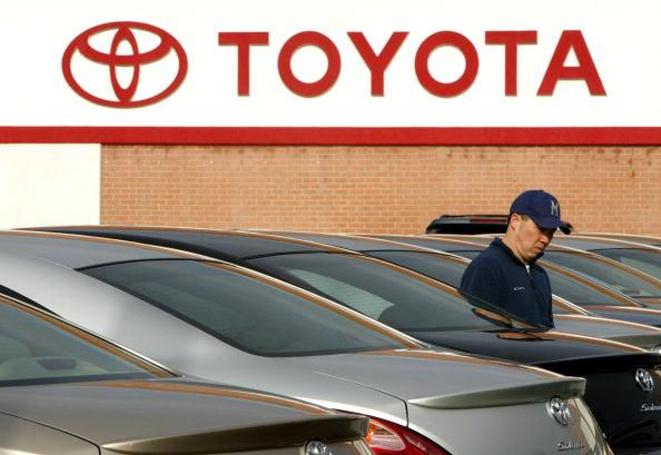 Car Dealership「Toyota Posts Record Sales In November」:写真・画像(16)[壁紙.com]