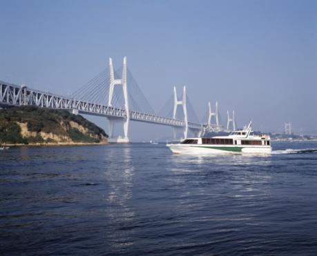 Kagawa Prefecture「Seto Ohashi bridge and a pleasure boat,  Kagawa Prefecture,  Japan」:スマホ壁紙(11)