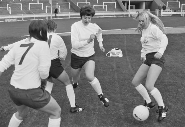 England Women's Football Team:ニュース(壁紙.com)