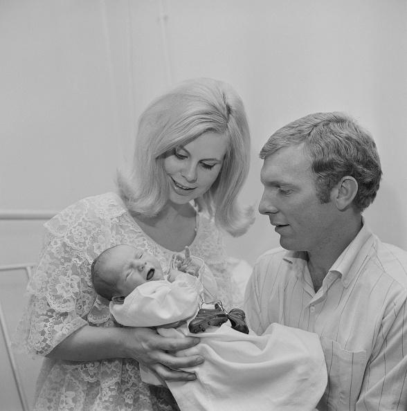 スタディオ・ジュゼッペ・メアッツァ「Mr and Mrs Moore welcome baby Dean」:写真・画像(19)[壁紙.com]