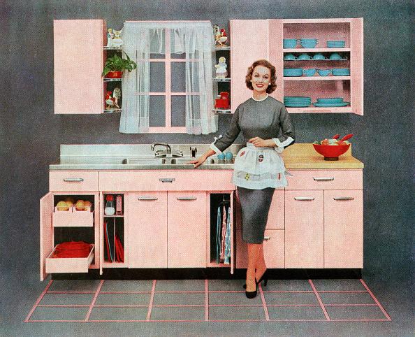 1950~1959年「Housewife In Pink Kitchen」:写真・画像(7)[壁紙.com]
