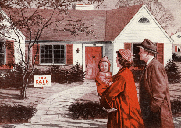 Home Ownership「Family And House For Sale」:写真・画像(16)[壁紙.com]