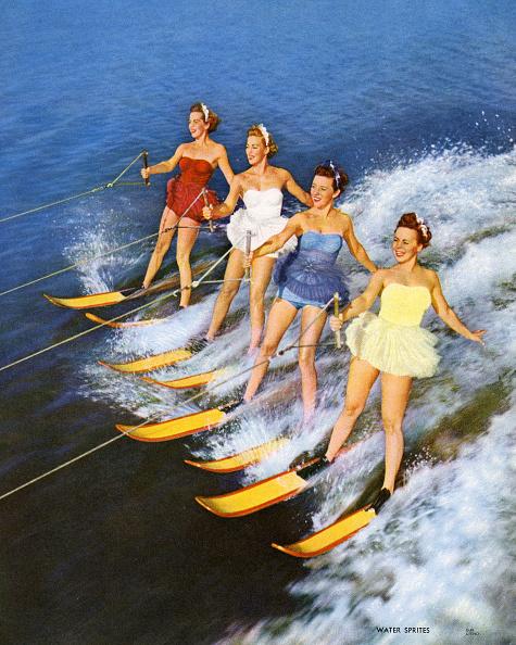 Vacations「Four Women Waterskiing」:写真・画像(19)[壁紙.com]