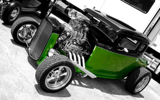 Hot Rod Car「Vintage green and black car without a hood 」:スマホ壁紙(12)