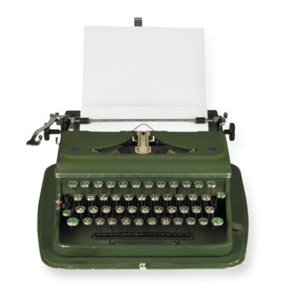 Typewriter「Vintage, green typewriter with paper on white background」:スマホ壁紙(19)