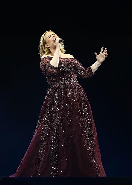歌手 アデル「Adele Live 2017 - Sydney」:写真・画像(14)[壁紙.com]