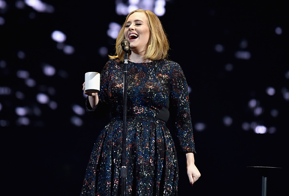 歌手 アデル「Adele Performs At The SSE Arena Belfast」:写真・画像(19)[壁紙.com]
