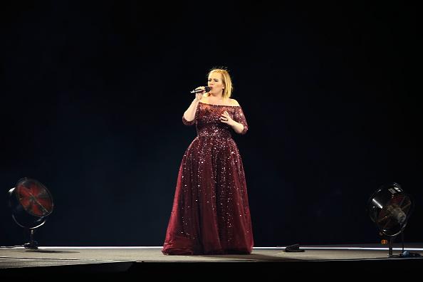 ������ ������「Adele Live 2017 - Adelaide」:写真・画像(7)[壁紙.com]