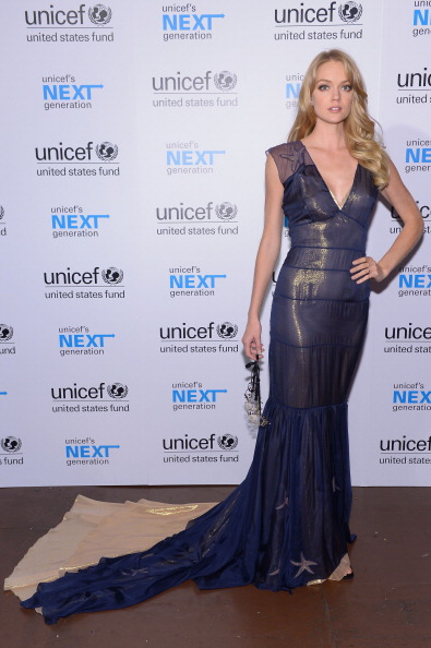 Wavy Hair「The 4th Annual UNICEF Masquerade Ball」:写真・画像(11)[壁紙.com]