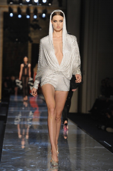 Atelier Versace「Atelier Versace : Runway - Paris Fashion Week - Haute Couture S/S 2014」:写真・画像(8)[壁紙.com]