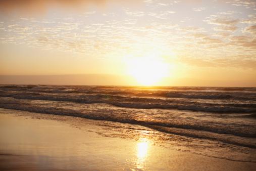 夕焼け 海「水平海の上での日光浴」:スマホ壁紙(3)
