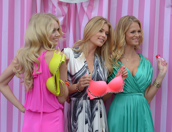 Erin Heatherton「Victoria's Secret Summer 2012 What Is Sexy? Launch With Doutzen Kroes, Erin Heatherton And Lindsay Ellingson」:写真・画像(8)[壁紙.com]