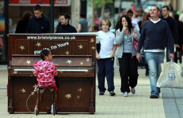Musical instrument「Public Pianos On Streets Of Bristol Mark Opening Of Revamped Colston Hall」:写真・画像(10)[壁紙.com]