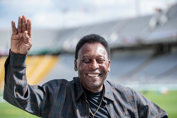 Xavi Torrent「Soccer Legend Pele Visits Olympic Stadium In Barcelona」:写真・画像(19)[壁紙.com]