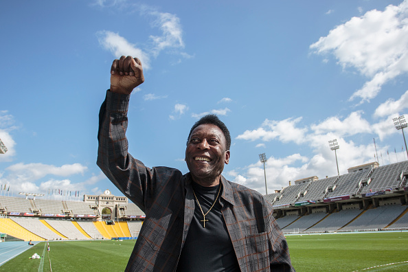 Xavi Torrent「Soccer Legend Pele Visits Olympic Stadium In Barcelona」:写真・画像(15)[壁紙.com]