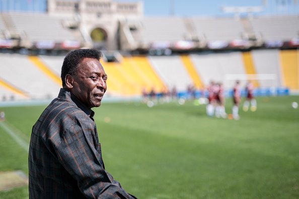 Xavi Torrent「Soccer Legend Pele Visits Olympic Stadium In Barcelona」:写真・画像(18)[壁紙.com]