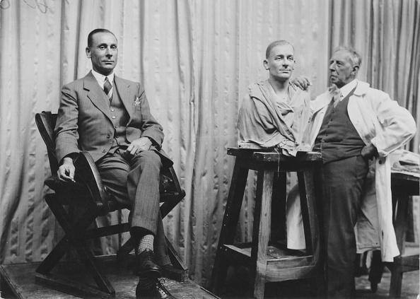 1930「Jack Hobbs And Tussaud」:写真・画像(9)[壁紙.com]