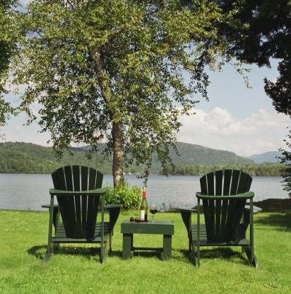 Adirondack Mountains「Chairs by lake」:スマホ壁紙(8)