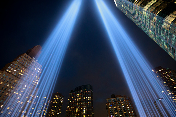 Emergency Services Occupation「Annual Tribute In Light Marks Anniversary Of Attacks On The World Trade Center's Twin Towers」:写真・画像(8)[壁紙.com]