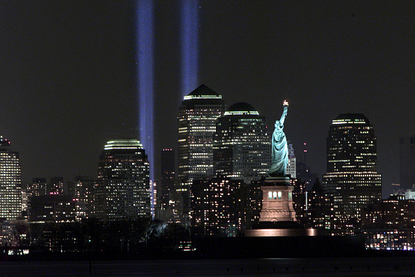 Urban Skyline「Tribute in Light」:写真・画像(14)[壁紙.com]