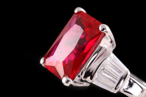 Jewelry「A silver ring with a huge ruby」:スマホ壁紙(9)