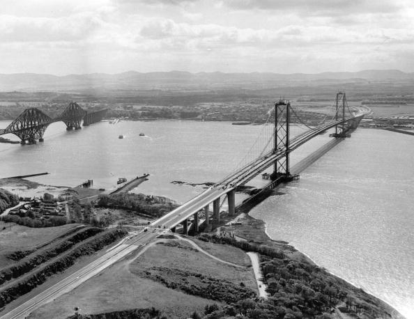 Architectural Feature「Forth Bridges」:写真・画像(3)[壁紙.com]