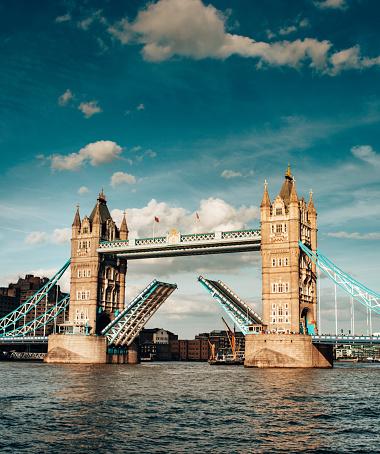 London Bridge - England「open tower bridge」:スマホ壁紙(10)