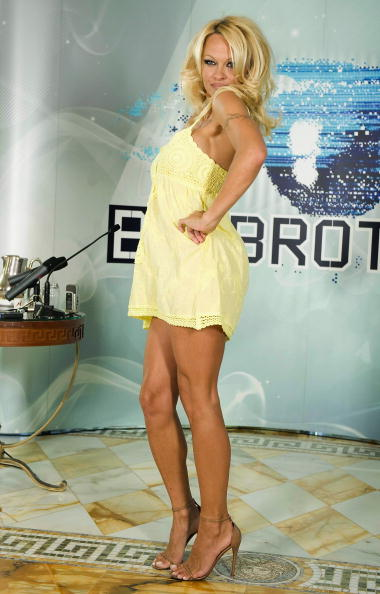 Baby Doll Dress「Pamela Anderson Press Conference Ahead Of Big Brother Appearance」:写真・画像(5)[壁紙.com]