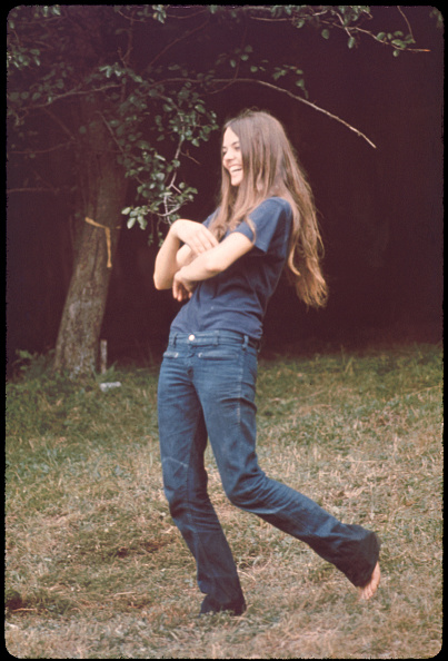 Jeans「Woman At Woodstock」:写真・画像(16)[壁紙.com]