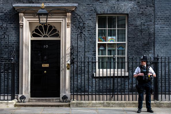 10 Downing Street「UK In Fourth Week Of Coronavirus Lockdown As Death Toll Exceeds 10,000」:写真・画像(13)[壁紙.com]