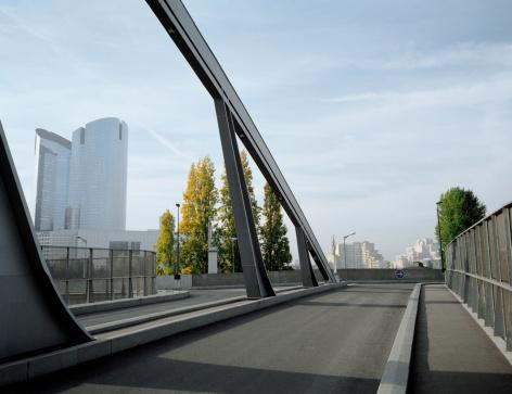 France「Bridge, suburban Paris, France.」:スマホ壁紙(14)