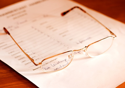 High School Student「attestation- glasses on document」:スマホ壁紙(11)