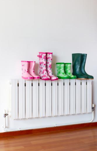 Floral Pattern「Family of wellington boots on radiator」:スマホ壁紙(12)