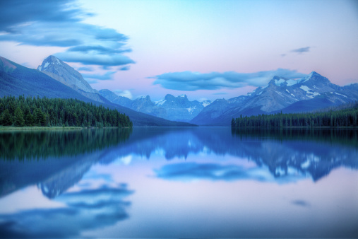 Bay of Water「Dusk on Maligne lake」:スマホ壁紙(17)