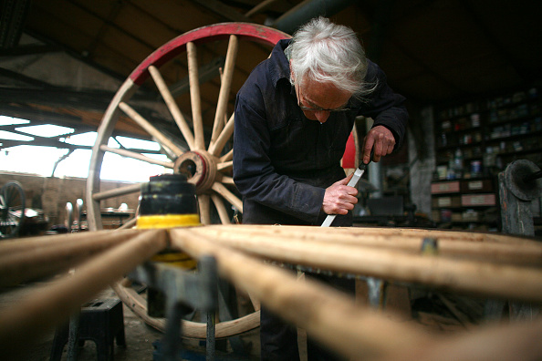 Simplicity「Traditional Carriage Wheelwrighter Wins Countryside Alliance Award」:写真・画像(6)[壁紙.com]