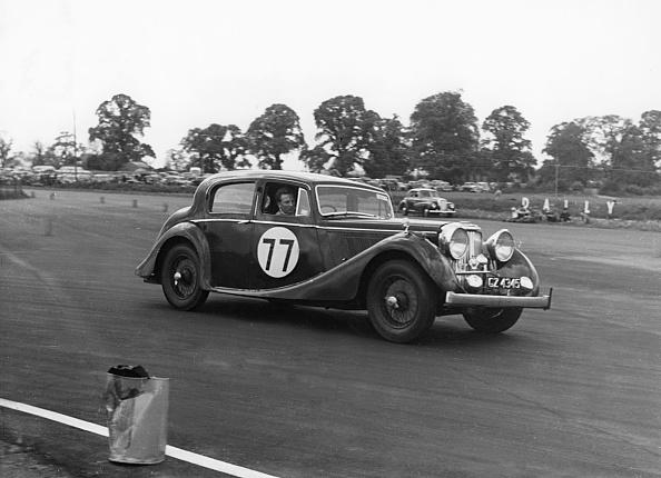 Corner「1946 Jaguar Mkiv 3.5 Litre」:写真・画像(11)[壁紙.com]