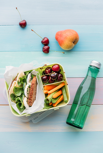 Celery「Healthy school food in a lunch box, vegetarian sandwich with cheese, lettuce, cucumber, egg and cress, sliced carrot and celery, cherries and pear」:スマホ壁紙(18)