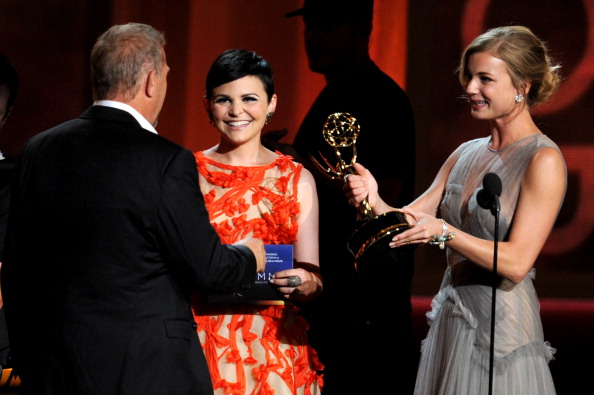 Emily VanCamp「64th Annual Primetime Emmy Awards - Show」:写真・画像(16)[壁紙.com]
