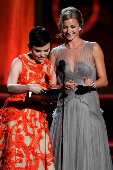 Emily VanCamp「64th Annual Primetime Emmy Awards - Show」:写真・画像(12)[壁紙.com]