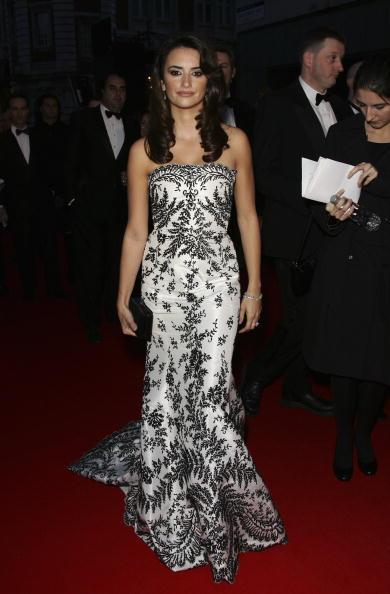 Covent Garden「Arrivals At The Orange British Academy Film Awards」:写真・画像(16)[壁紙.com]