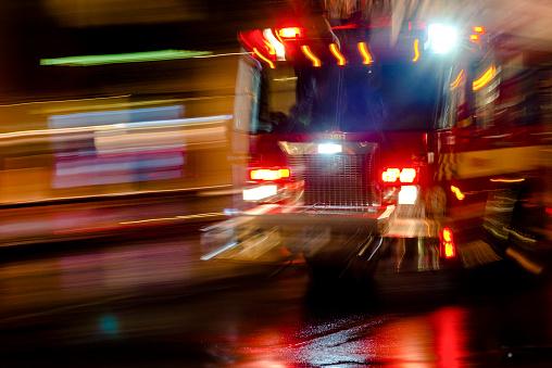 Boulevard「Camion de pompier en urgence」:スマホ壁紙(7)