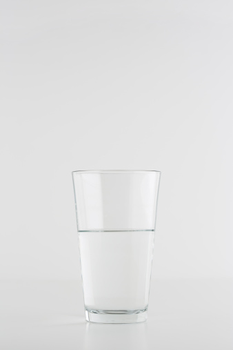 Drinking Water「glass  of water on white background」:スマホ壁紙(16)