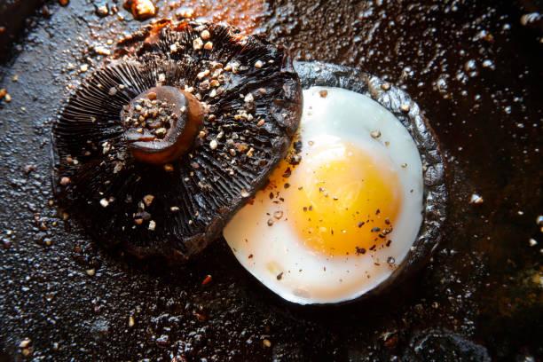 portobello mushroom topped with grilled egg:スマホ壁紙(壁紙.com)