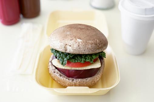 Veggie Burger「Portobello mushroom, cabbage, apple, banana and red cabbage on bun」:スマホ壁紙(0)