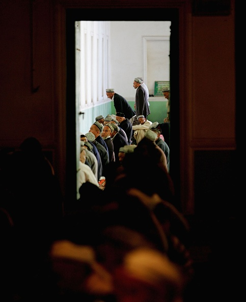 Kashgar「Muslim Uygurs Attend Prayers At The Id Kah Mosque In Kashgar City」:写真・画像(19)[壁紙.com]