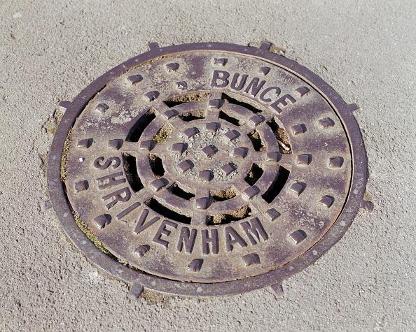 Plate「Drain Cover Plate Made By Bunce Of Shrivenham」:写真・画像(18)[壁紙.com]