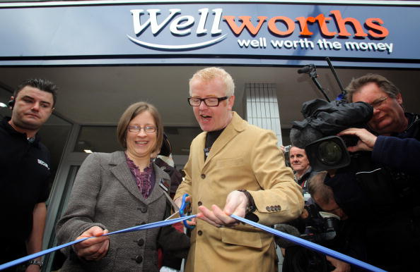 New Business「Former Woolworths Manager Reopens The Store As Wellworths」:写真・画像(8)[壁紙.com]